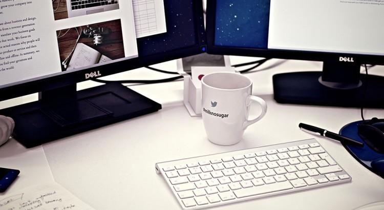 cup-dell-desk-4458